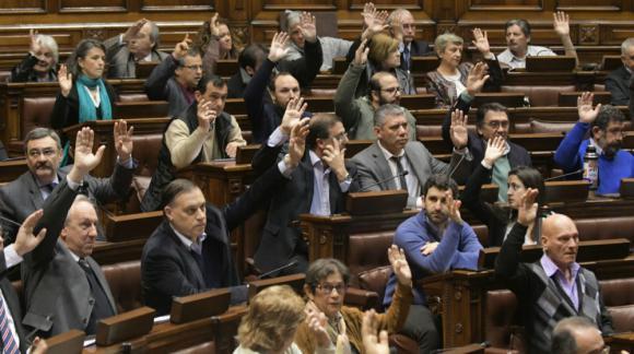 La Asamblea General vota un cuarto intermedio hasta las 10:40 horas. Foto: Francisco Flores.