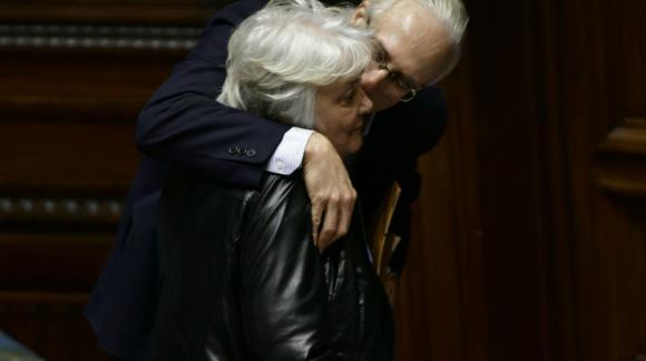 Topolansky junto al senador comunista Eduardo Lorier. Foto: Fernando Ponzetto.