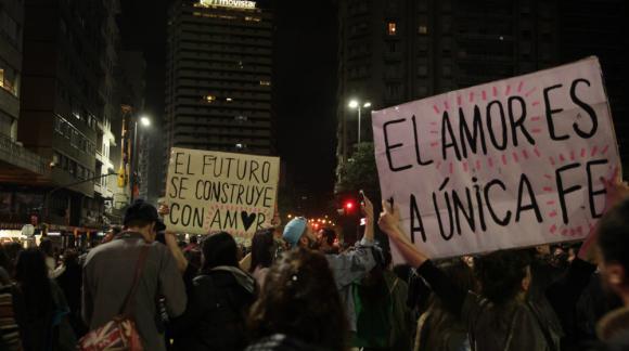 Los carteles y las pancartas fueron muy utilizados. Foto: Mateo Vázquez