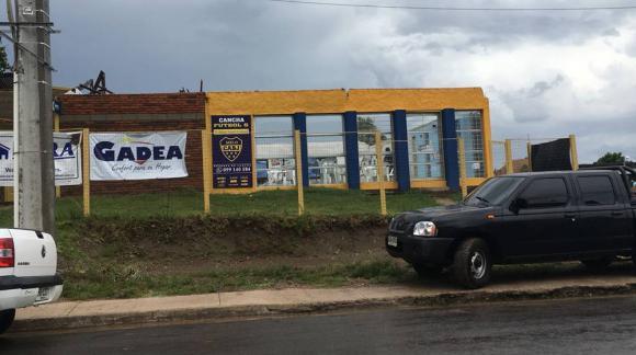 La cancha de Boca Juniors sufrió destrozos tras el temporal en Melo. Foto: Santiago Silva