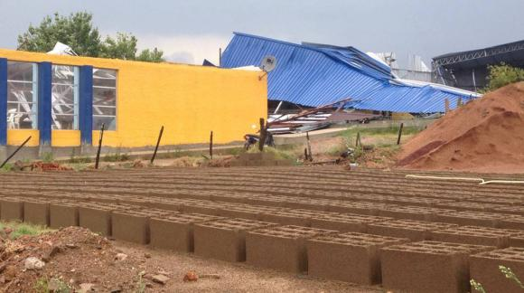 La cancha de Boca Juniors sufrió destrozos tras el temporal en Melo. Foto: Francisco Silva