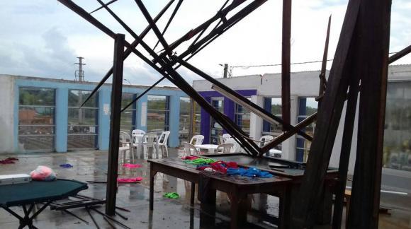 La cancha de Boca Juniors sufrió destrozos tras el temporal en Melo. Foto: Matías Bentancor