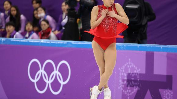 Mirai Nagasu haciendo el triple axel en los JJ.OO de Corea. Foto: Reuters