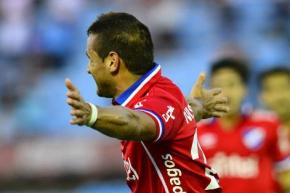Gonzalo Bergessio celebrando su primer gol con la camiseta de Nacional