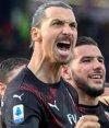Zlatan Ibrahimovic celebra su primer gol en el retorno a Milan. Foto: EFE.