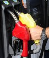 Nafta super: la uruguaya es la más cara, la que sigue vale 16% menos.