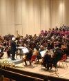 La orquesta sinfónica se lució con el maestro Ira Levin.
