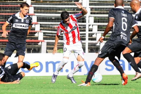 Michael Santos en River Plate-Wanderers. Foto: Maarcelo Bonjour.