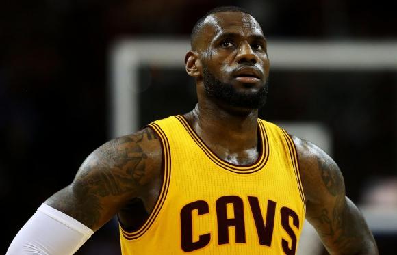 LeBron. Es el principal embajador de marca de Nike en la NBA. (Foto: AFP)