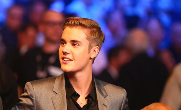 """Justin Bieber fue a acompañar a su amigo """"Money"""" Mayweather. Foto: US Today"""
