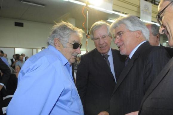 Mujica, Astori y Aguerre en la asunción de éste. Foto: Leonardo Carreño