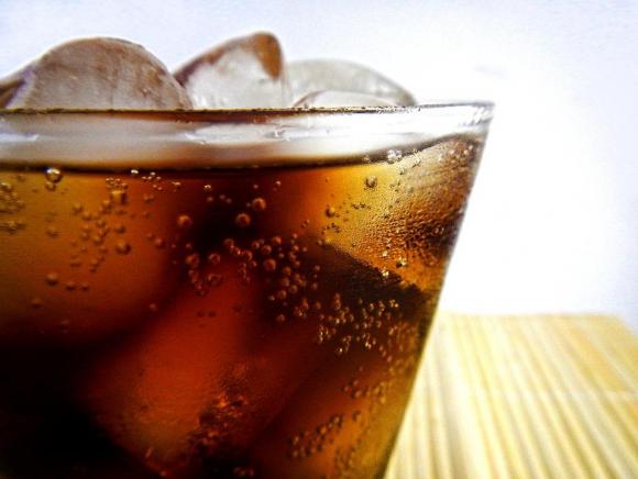 Diez peniques en las bebidas azucaradas aumentaron las bebidas. Foto: Pixabay