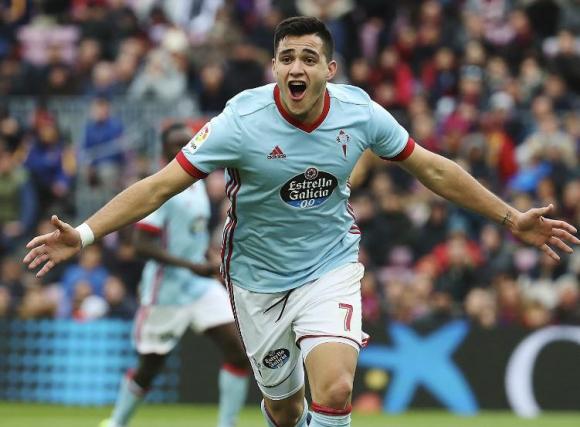 Maximiliano Gómez festeja su séptimo gol en liga, el primero ante Barcelona. Foto: EFE