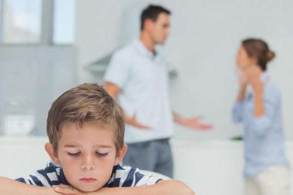 Stop Abuso trabaja con niños que vienen de hogares con problemas. Foto: Shutterstock