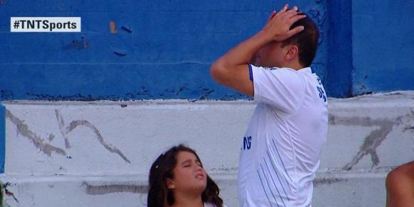 La desesperación del hincha de Vélez. Foto: TNTSports