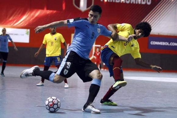 Uruguay jugará ante Brasil en un duelo clave para alcanzar las semifinales. Foto: FPF