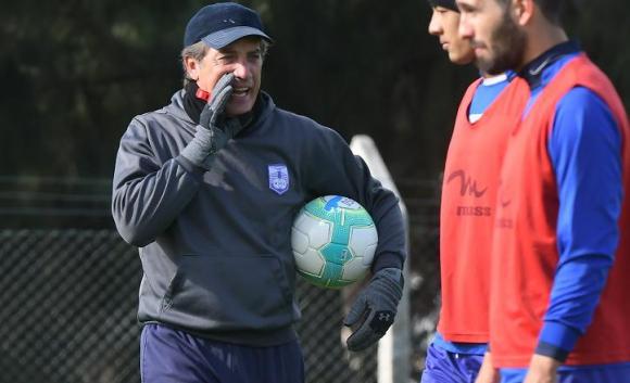 Eduardo Acevedo en el entrenamiento de Defensor Sporting. Foto: Ariel Colmegna