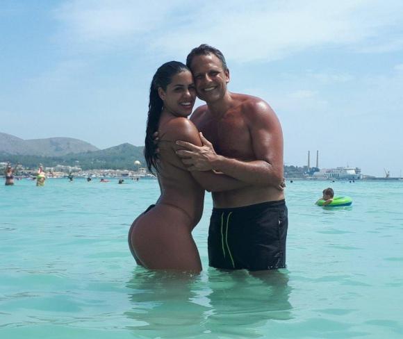 Jorge Lenoble y su novia Karen.