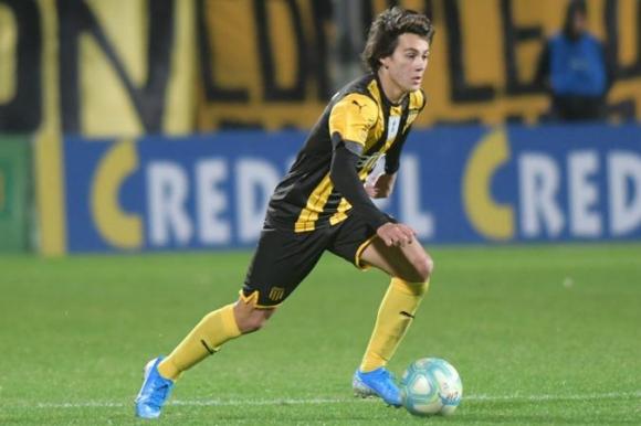Facundo Pellistri ya debutó en la Primera División y sigue sumando minutos. Foto: Marcelo Bonjour.
