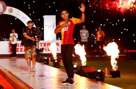 Presentación Falcao en el Galasataray. Foto: Reuters.