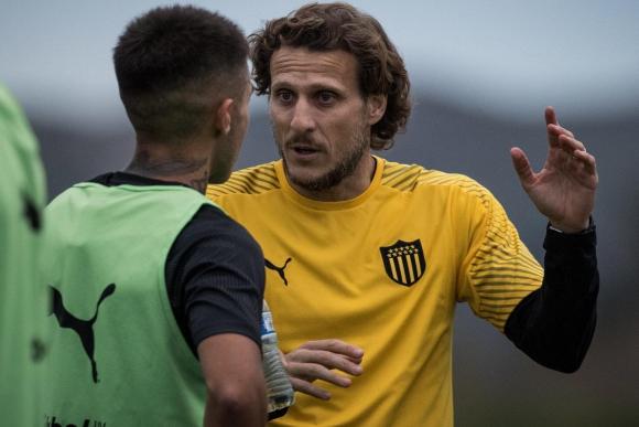 Diego Forlán y Gabriel Rojas en Peñarol