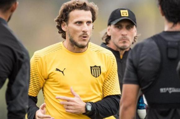 Diego Forlán. Foto: Prensa Peñarol.