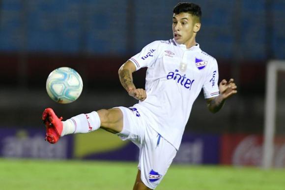 Santiago Rodríguez jugó los últimos minutos contra Wanderers. FOTO: El País.
