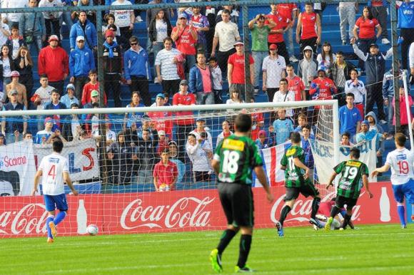 Burgueño y la tarde que le marcó un gol a Nacional para el triunfo en 2015. FOTO: El País.