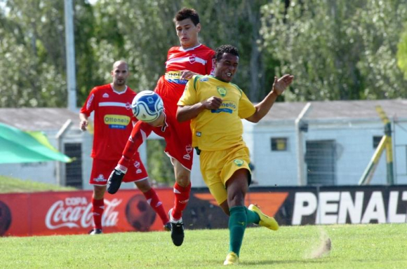 Su casa. El atacante debutó en la Primera de Cerrito en 2008; supo ser goleador de   la Segunda División en  ese equipo. FOTO: El País.