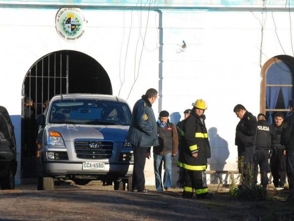 Policías en la cárcel de Rocha. Foto: archivo El País.