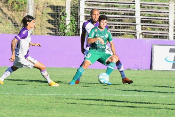 Fénix 3 - Plaza Colonia 3: seis goles, dos rojas y definición en el minuto  91 para un partidazo