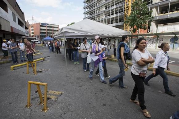 Venezolanos votan contra Maduro y su Constituyente. Foto: EFE