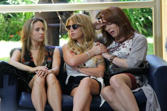 Gabriela Toscano y Lizzy Tagliani son parte del extenso elenco.