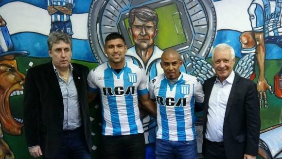 Arévalo Ríos presentado junto a Juan Patiño. Foto: racingclub.com.ar.