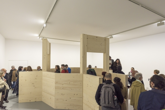La obra de Sagradini, en madera de abeto, no resultó afectada. Foto: Gianni Franchelucci