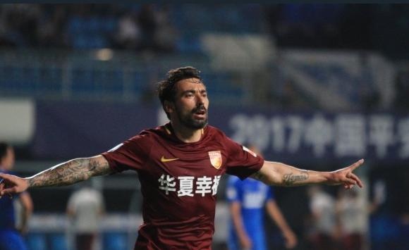 Ezequiel Lavezzi anotó un verdadero golazo para el Hebei. Foto: @Tribunerocom