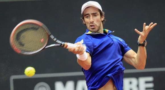 Avanza. Tras la clasificación a los cuartos en Indian Wells y Montecarlo, ahora Pablo Cuevas lo hizo en Madrid. Foto: EFE