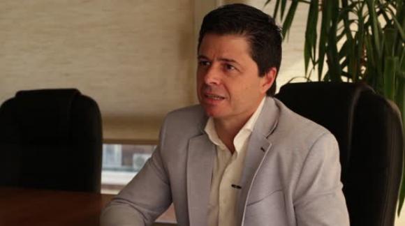UNO A UNO - Roberto Berrondo