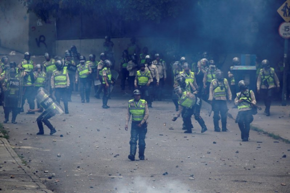 Continúan los incidentes en Venezuela. Foto: Reuters.