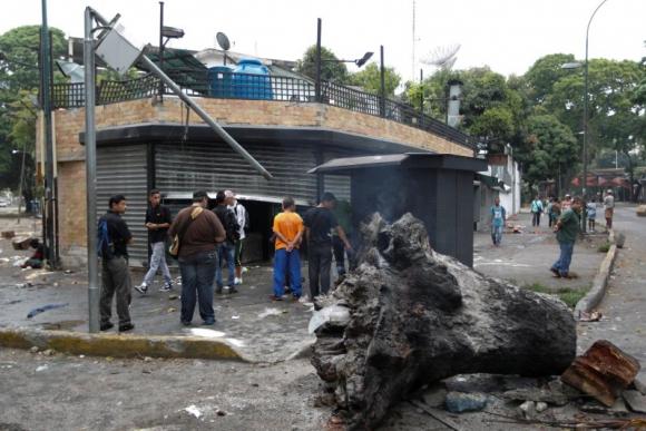 Saqueos durante la jornada de protestas en Venezuela. Foto: Reuters.