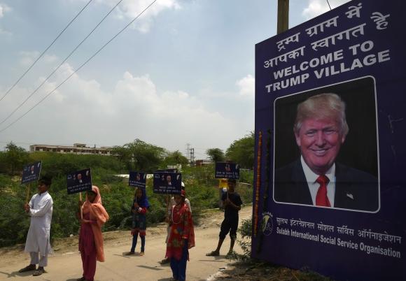 Si bien el nombre aún no es oficial, ya está en la entrada del pueblo. Foto: AFP