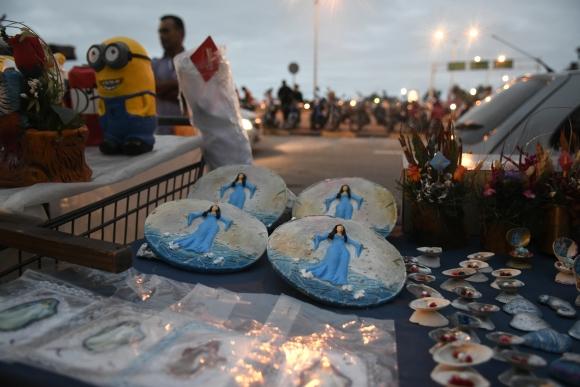 Miles de creyentes homenajearon a la diosa del mar en su día. Foto: Fernando Ponzetto