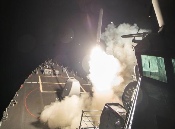 Estados Unidos lanzó un ataque sobre una base aérea en Siria. Foto: Reuters