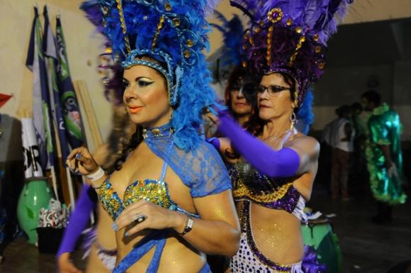 Todo el color en la previa del Desfile de Llamadas. Foto: Darwin Borrelli