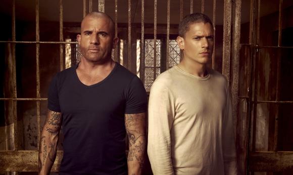En la primera temporada, el preso era Lincoln y lo rescataba Michael.