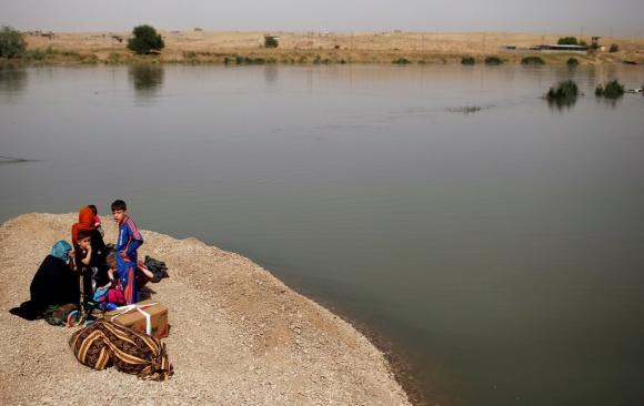 Campamentos sin agua potable en Mosul. Foto: AFP