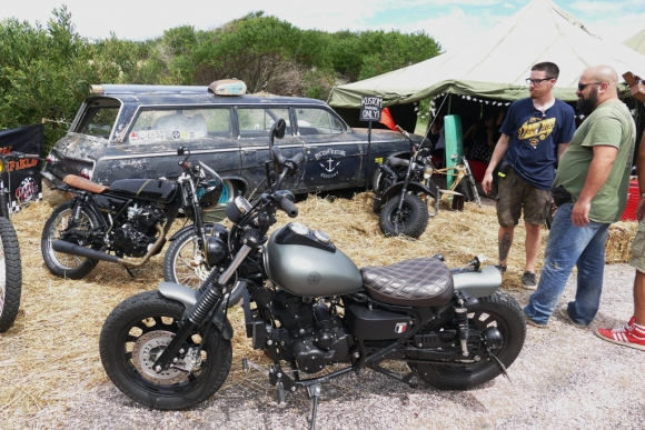 Exhibición: propietarios de los autos clásicos pudieron exponer sus vehículos en la  playa 5 de la Mansa durante el