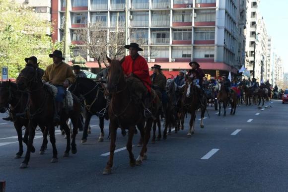 Tránsito: los gauchos cortaron las calles en un trayecto de unos 20 kilómetros. Foto: A. Colmegna