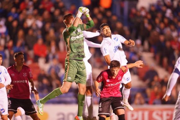 Rodríguez tuvo un buen partido en el juego aéreo. FOTO: Gerardo Pérez.