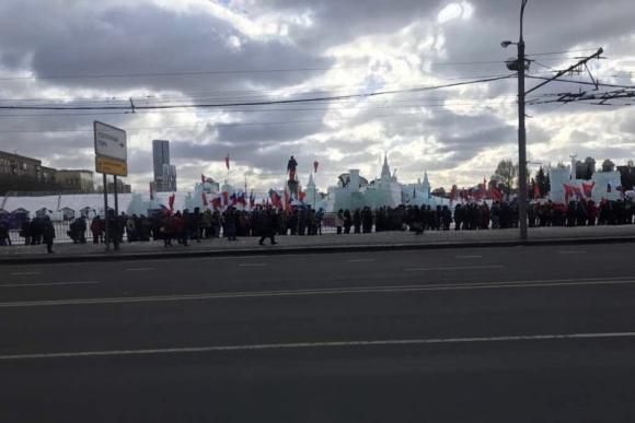 Vázquez fue recibido con banderas rusas. Foto: Gentileza delegación empresarial.